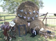 Décor at a Cowgirl Party #cowgirl #party