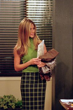 This green turtleneck with the checked bottoms. Again, Rachel Green.