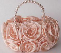 inspiration for flower girl baskets? Lingerie Fine, Jolie Lingerie, Vintage Purses, Vintage Handbags, Bridal Accessories, Fashion Accessories, Flower Girl Basket, Beaded Bags, Everything Pink