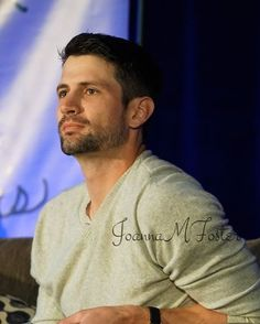 James Lafferty at the Q&A on Sunday.this is why Q&As are the best! Nathan Haley, Nathan Scott, Taylor James, James Martin, James Lafferty, Bay And Bay, Wilmington Nc, One Tree Hill, Ex Husbands