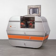 A-Z Escape Vehicle: Customized by Andrea Zittel (Andrea Zittel) Moma Art, Italian Renaissance Art, Light And Space, Small Space Living, Living Spaces, Toy Chest, Collection, Vehicles, Artists