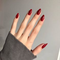 Shared by princess Rose. Find images and videos about girl, fashion and beautiful on We Heart It - the app to get lo… in 2020 (With images) Fancy Nails, Pink Nails, Cute Nails, Pretty Nails, Glitter Nails, Hair And Nails, My Nails, Nagellack Trends, Oval Nails