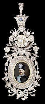 Bonhams : A fine Qajar enamelled gold Pendant Persia, 19th Century