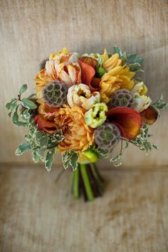 An autumnal bouquet. Love this!