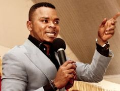 Watch: Bishop Obinim takes Onaapo to his church   It is no doubt that Onaapo is the most trending term in Ghana right now even in the Christendom. Bishop Daniel Obinim is one of the few religious people who have taken Onaapo to the church. The renowned miracle worker in the last few days of 2016 was spotted in a video singing and dancing to the Onaapo song originally by Dee Aja. In the video the bishop was carried by members of the Accra branch of church while the music band played and sang…