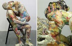 Will Kurtz schafft Skulpturen aus Zeitungspapier. Dazu hat er eine besondere Technik entwickelt. Will kreiert anspruchsvolle Skulpturen inspiriert durch die tägliche Beobachtung von Menschen und der Umwelt. Guckt euch das Video an, um zu sehen wie seine Werke entstehen.