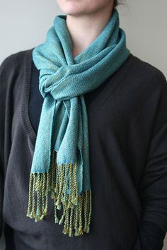 handwoven plume scarf http://pirtti.com