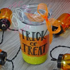 Trick or Treat 12 oz Tumbler Diy Tumblers, Personalized Tumblers, Custom Tumblers, Glitter Tumblers, Halloween Cups, Happy Halloween, Circuit Crafts, Cup Crafts, Custom Cups