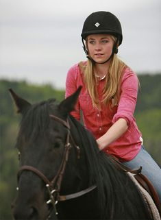 "Amber Marshall - Born: June 2, 1988 in London, Ontario, Canada Nickname: Mother Nature Height: 5' 5"" (1.65 m)"