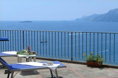 In the Laurito district of Positano, close to San Pietro Beach, Villa Valeria has a terrace, free WiFi and a washing machine. This villa is Pretty Wallpapers, Positano, Amalfi Coast, Free Wifi, Public Transport, Balcony, Terrace, Outdoor Furniture Sets, The Neighbourhood