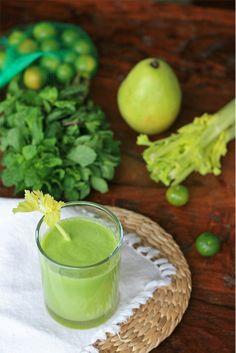 Cucumber, pear, celery and mint juice