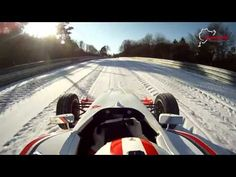 Pilotage sur le Nurburgring en monoplace sur la neige !