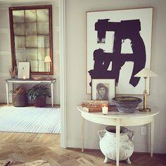 Loving how everything is turning out here! Love that mirror!! #interiors #interiordesign #interiordesignbirmingham @rsmouron