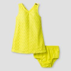 Make her stand out on the brightest days in this Toddler Girls' Crochet Lace A Line Dress by Genuine Kids from OshKosh. Combining girly details with a comfy fit, this gorgeous lace dress is that something special you're looking to add to her closet this season.