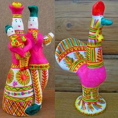 Яркие краски филимоновской свистульки.The bright colors of Filimonovsky whistles