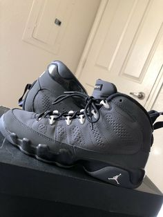 5b4eb361980e63 Nike Air Jordan IX 9 Retro GS Shoes Anthracite Black Shoes 5.5Y Womens Size  7