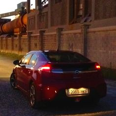 Opel Ampera by night