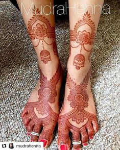 No filter 2 day stain pic of the design from the previous post! I did add in the part around the ankles after I took the last pic! Mehndi Designs Feet, Legs Mehndi Design, Stylish Mehndi Designs, Dulhan Mehndi Designs, Wedding Mehndi Designs, Mehndi Design Pictures, Best Mehndi Designs, Beautiful Mehndi Design, Mehndi Images