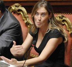Maria Elena Boschi non sarebbe mai dovuta diventare ministro e se il Parlamento negli anni non si fosse trasformato in una miserabile barberia, nemmeno avrebbe dovuto fare il deputato vista la sua …