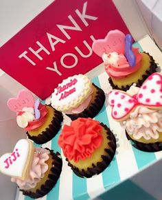 JiJi cupcakes KOBE 神戸市カップケーキ専門店/スイーツ 洋菓子 Kobe, Cupcakes, Desserts, Decor, Tailgate Desserts, Cupcake, Deserts, Decoration, Cupcake Cakes