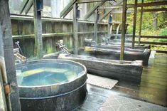 Bagby Hot Springs - Oregon hiking with Japanese wooden soaking tubs