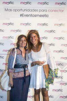 La gente se anima a fotografiarse en nuestro photocall y posar como estrellas #eventosmeetic