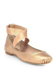 Chloé Metallic Leather Ballet Flats in Gold Chloe Ballet Flats, Leather Ballet Flats, Ballerina Pumps, Strappy Flats, Flat Shoes, Dream Shoes, Crazy Shoes, Me Too Shoes, Metallic Flats