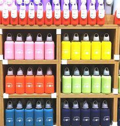 В магазинах «MINISO» большой выбор термосов, бутылочек, герметичных чашек и других удобных емкостей, которые можно брать с собой в дорогу , на работу , при выезде на природу Вы всегда сможете подобрать здесь необходимую Вам посуду и по объему ☕️, и по оформлению , а цена, в «MINISO», Вас порадует Цены от 900тг Люби жизнь люби #MINISO Mega Silk Way Астана 1 этаж Молл «Апорт» Алматы ☎️+77273121731 ТРЦ «Максима» Алматы ☎️ +77272206524 #minisokz #lovelife #loveminiso #любижизнь #любиминисо…