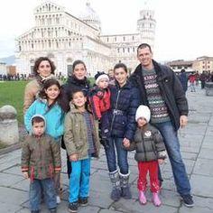 Mattew Allen con la famiglia a Pisa