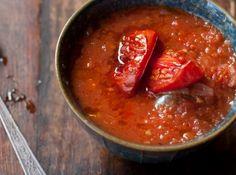 Sopa de Tomates Assados - Veja mais em: http://www.cybercook.com.br/receita-de-sopa-de-tomates-assados.html?codigo=120205