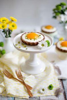 Für die Ostertafel: Süße Spiegeleier-Tartelettes mit Schokolade und Frischkäse-Quark-Creme   Alles und Anderes