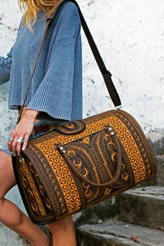 The Power of Faith can move mountains. And the Power of this 'Kuasa' Weekend. - The Power of Faith can move mountains. And the Power of this 'Kuasa' Weekender can move heads a - Vegan Fashion, Only Fashion, Fashion Bags, Fashion Accessories, Women's Fashion, Vintage Purses, Vintage Handbags, Vintage Closet, Latest Bags