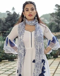 Indian Gowns Dresses, Indian Outfits, Kurta Designs Women, Blouse Designs, Latest Traditional Dresses, Salwar Pattern, Stylish Dresses For Girls, Fashion Outfits, Dress Outfits