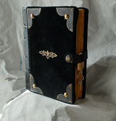 BOOK OF SHADOWS-GRIMOIRE-PENNY DREADFUL INSPIRATION-GOTHIC DIARY Ispirato alla serie tv PENNY DREADFUL diario segreto, gotico d...