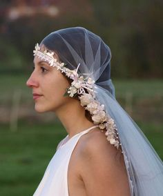 DIY 1920s Wedding Veil this veil i dont like, but good place to start from maybe