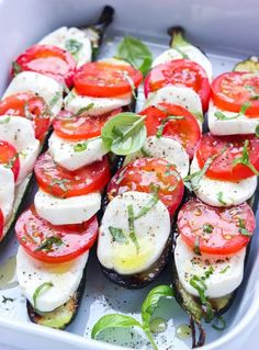 Tender grilled zucchini halves topped with fresh mozzarella, juicy tomatoes, and basil. It's a quick and easy caprese side that everyone loves! Vegetarian Recipes, Cooking Recipes, Healthy Recipes, Vegetarian Grilling, Grilled Recipes, Kabob Recipes, Healthy Grilling, Barbecue Recipes, Barbecue Sauce