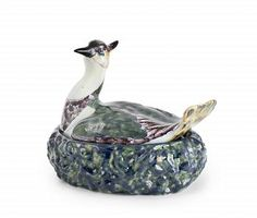 Dutch Delft Polychrome tureen with a plover, +/- 1760. Jeroen PM Hartgers