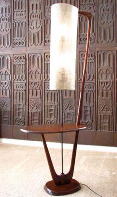 MID CENTURY DANISH MODERN SCULPTURAL FLOOR LAMP W/ BUILT IN TABLE 1950S EAMES