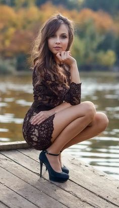 Selena, Pic Pose, Lingerie Outfits, Black Lingerie, Short Outfits, Sexy Legs, Mini Skirts, Beautiful Women, Bohemian