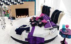 32 Best and Stunning Modern Glamour Bedroom Design Ideas https://freshouz.com/the-best-glamour-bedroom-design/