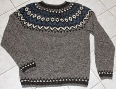 Bilderesultat for islandsgenser Men Sweater, Ravelry, Pullover, Sweaters, Knitting Ideas, Diy, Fashion, Moda, Bricolage
