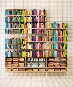 Bookshelf Porn: 6 Snaps That Inspire #refinery29  http://www.refinery29.com/2013/07/50417/bookshelf-organization