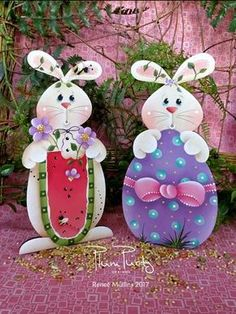 **NEW PATTERN** Includes designs These whimsical bunny designs can be used for springtime/easter/and summer. Easter Art, Easter Crafts, Summer Crafts, Holiday Crafts, Crafts To Sell, Diy And Crafts, Diy Y Manualidades, Tole Painting Patterns, Diy Ostern