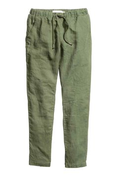 Straight trousers in linen with an elasticated drawstring waist, side pockets and welt back pockets. Black Flare Pants, Green Pants, Fashion Pants, Fashion Outfits, Bathing Suit Bottoms, Straight Trousers, Linen Trousers, Mode Hijab, Pants Pattern