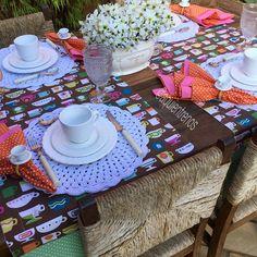 """""""Mesa Mirna com trilhos lindos pra receber as amigas em um lanche. ❤☕️️❤☕️️Contato:entrenos.aqui@gmail.com WhatsApp (24)988291514"""""""