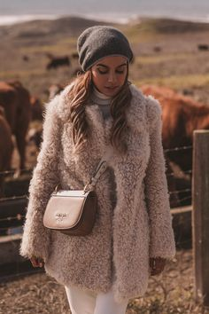Cult Gaia Ready to Wear Cute Casual Outfits, Warm Outfits, Pink Outfits, Grey Fashion, Love Fashion, Fashion 2020, Grey Beanie Outfit, Bear Fur Coat, Pink Teddy Coat