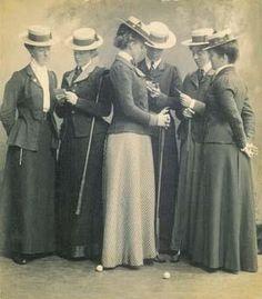 Victorian era women golfers.