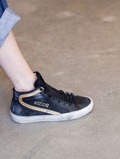 SNEAKERS, BLACK/GOLD