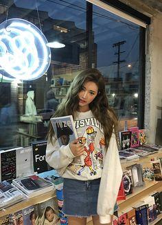 sᴛʏʟᴇɴᴀɴᴅᴀ Kfashion Blog - Korean Fashion - Seasonal fashion, aesthetic fashion, autumn fashion, spring fashion, sora park, park sora, asian fashion