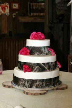 camo wedding ideas | Country Wedding and Party Ideas / Real tree AP Camo Wedding Cake with ...